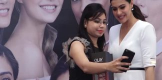 Kajol Devgan Visit Health and Glow Store