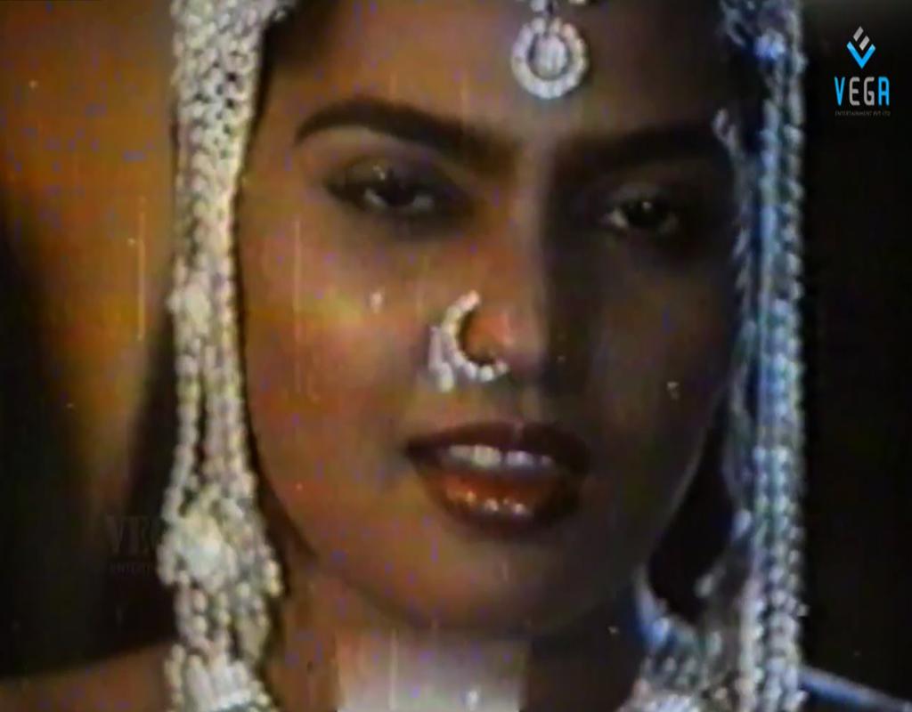 Gundelu Teesina Bantu - Silk Smitha Masala Song From Goonda