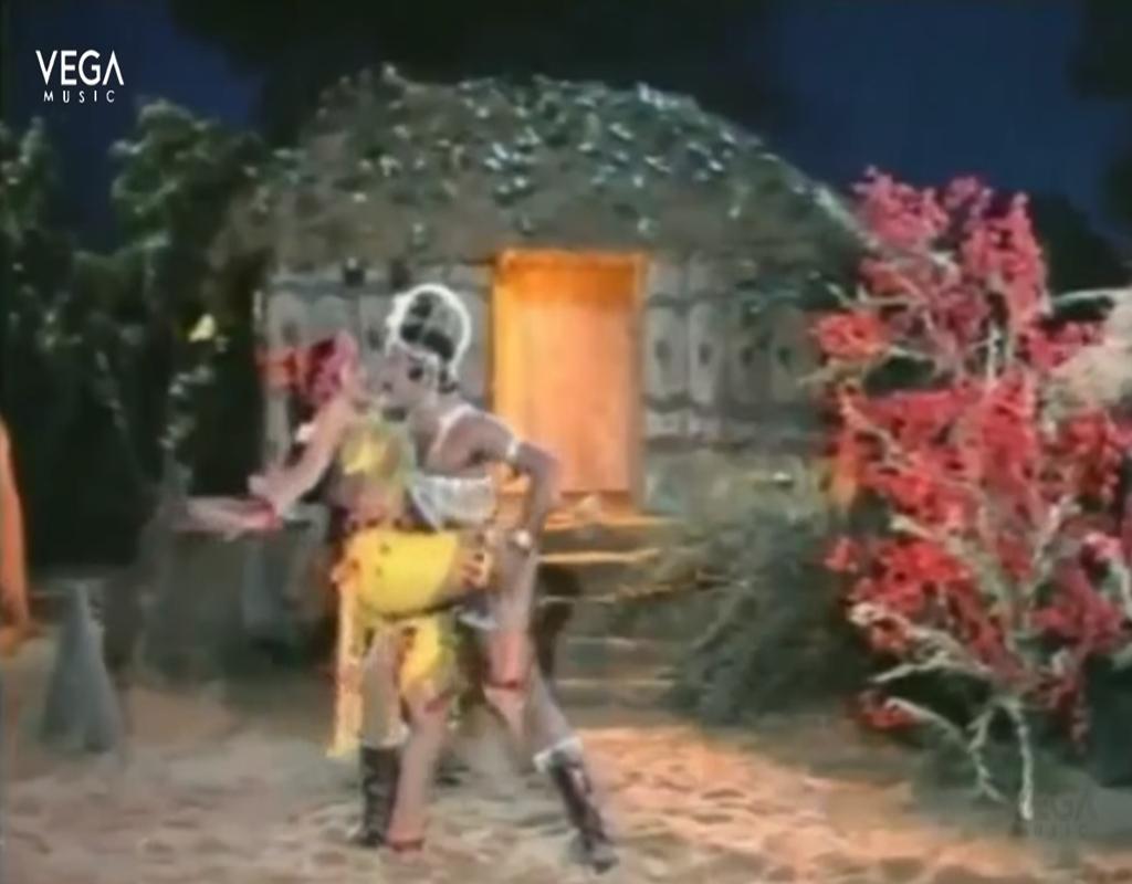 Mega Star Chiranjeevi & Sumalatha Video Song Sinagaari Eedu